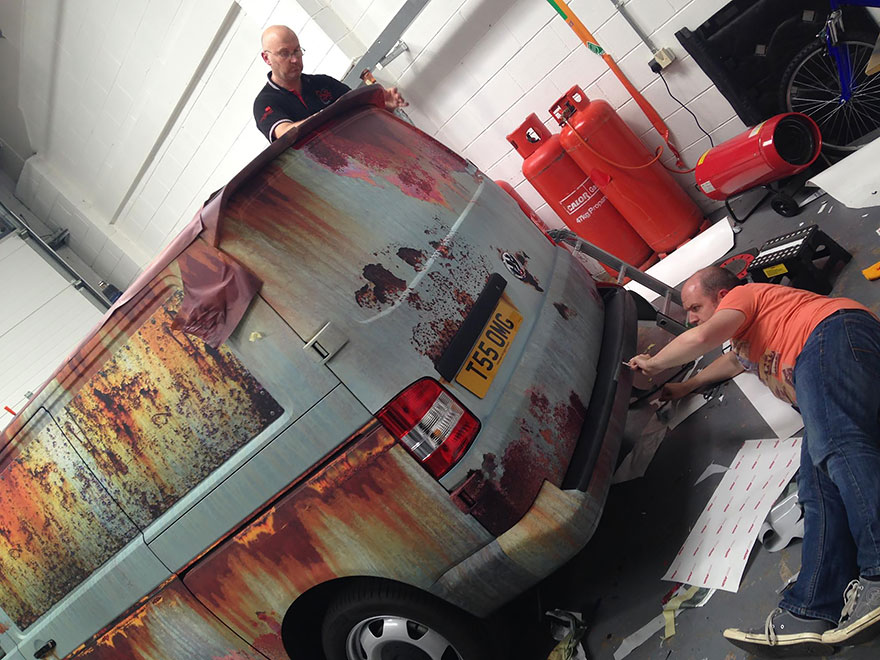 rusty-car-vinyl-wrap-vw-van-clyde-wraps-12