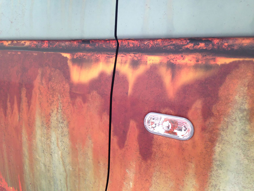 rusty-car-vinyl-wrap-vw-van-clyde-wraps-9