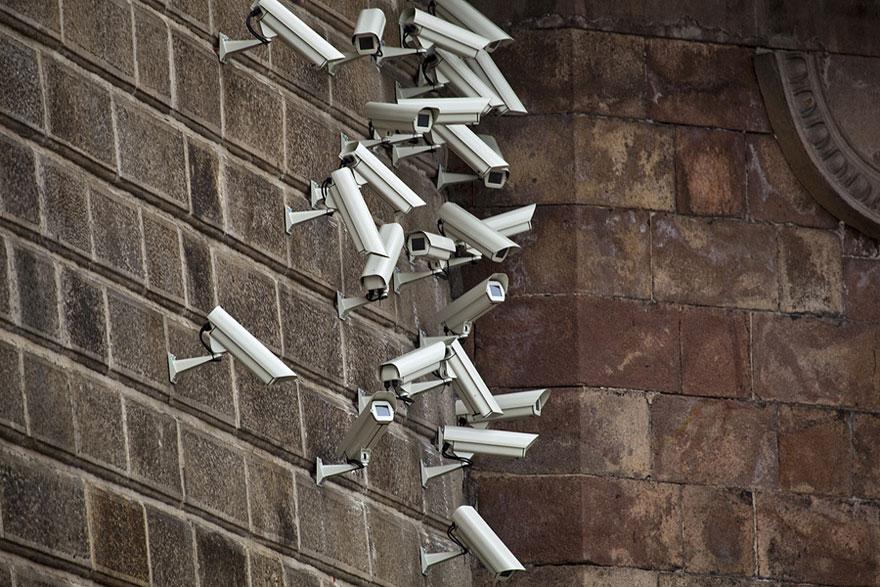 satellite-cameras-urban-installations-nests-jakub-geltner-2
