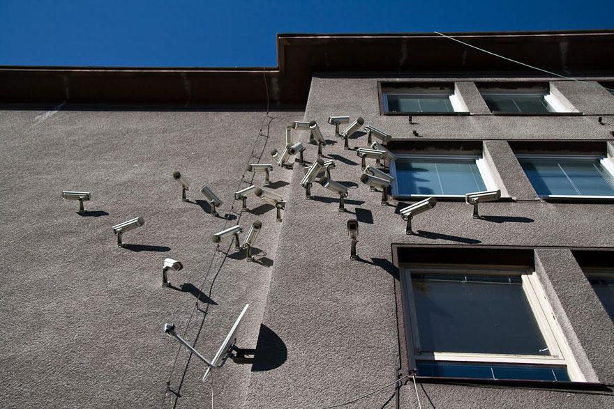 satellite-cameras-urban-installations-nests-jakub-geltner-8