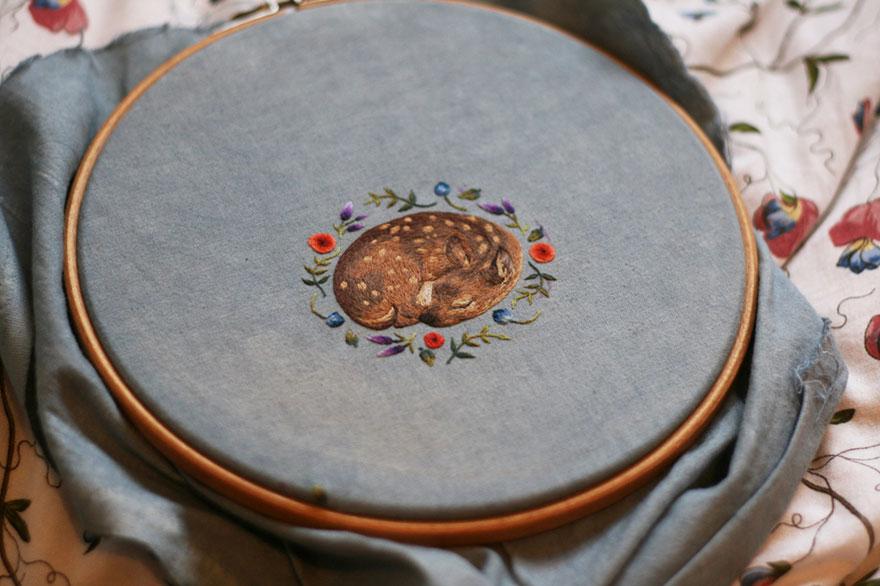 tiny-embroidery-animals-chloe-giordano-12