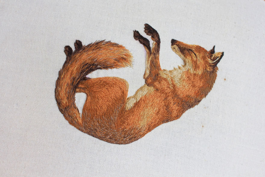 tiny-embroidery-animals-chloe-giordano-5