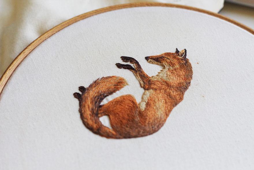tiny-embroidery-animals-chloe-giordano-6