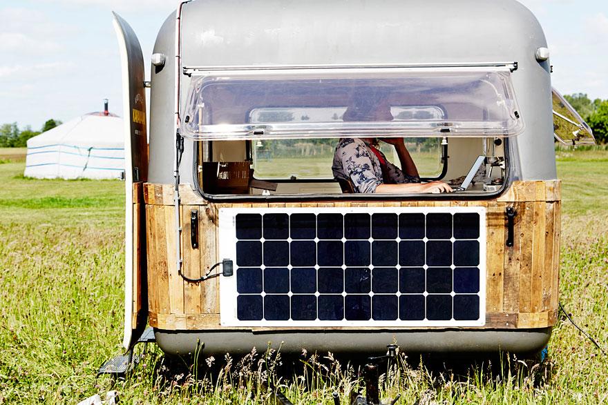 vintage-caravan-mobile-office-space-kantoor-karavaan-tom-van-de-beek-2