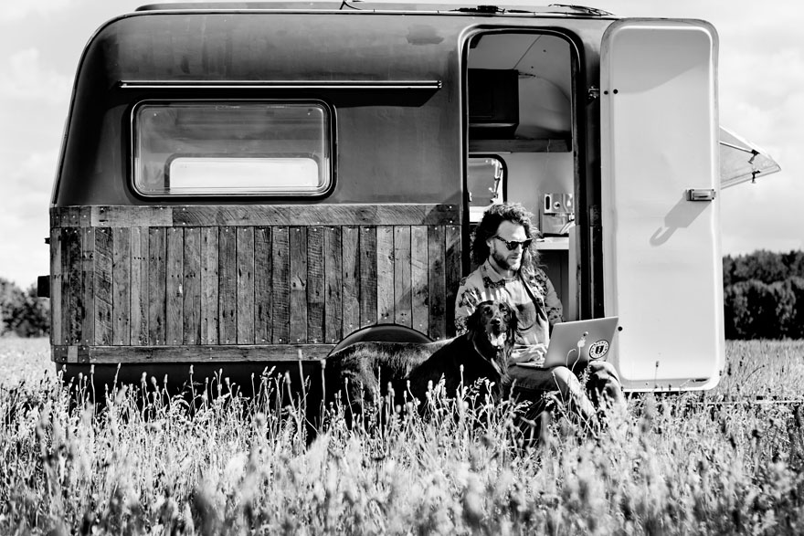 vintage-caravan-mobile-office-space-kantoor-karavaan-tom-van-de-beek-4