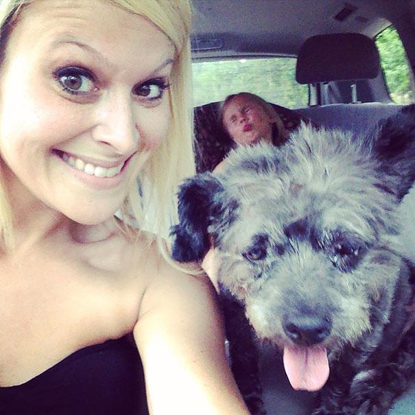 woman-adopts-abandoned-dying-dog-chester-nicole-elliott-9