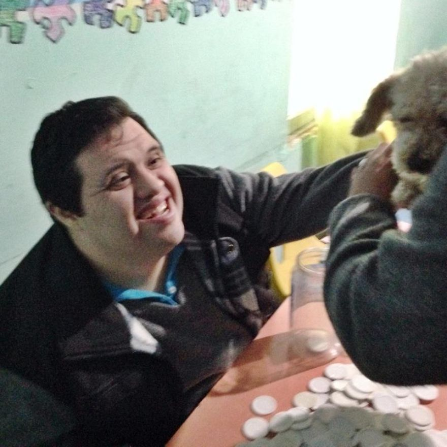 I Rescued A 2-Legged Stray Dog That Spent 10 Painful Years On The Streets
