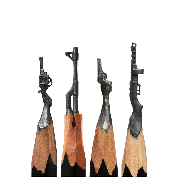 Amazing-Micro-Sculptures-Carved-From-Pen
