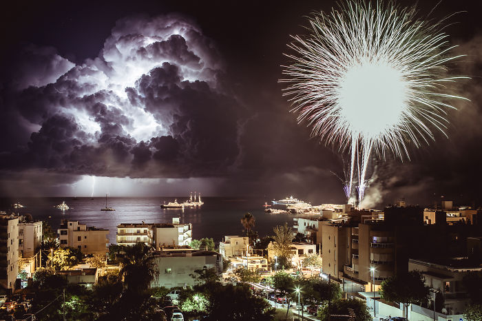 Man Vs Nature: Photographer Captures Incredible Moment During The Storm In Ibiza