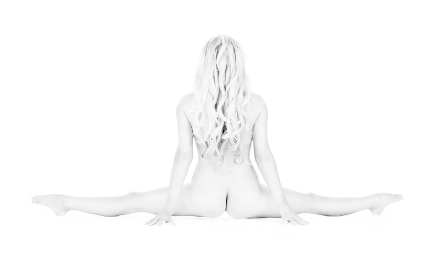 I Photograph Women Doing Yoga To Show Their Strength And Flexibility