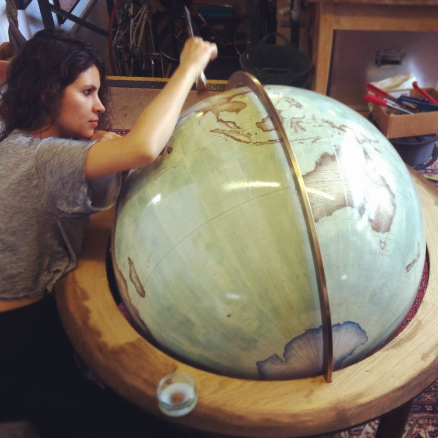handmade globes one of the world s last remaining globe makers that use 3352