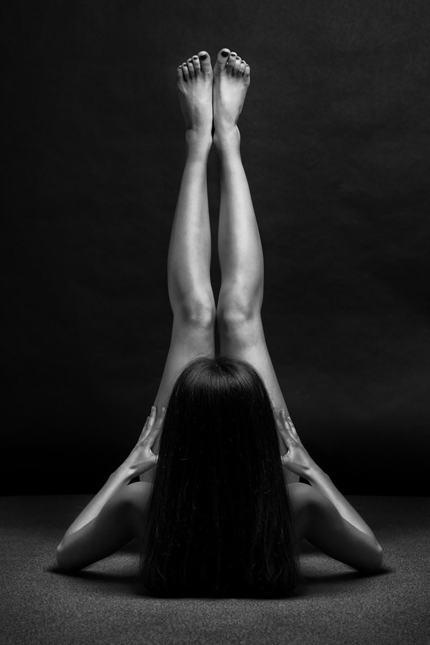 black-and-white-portraits-women-body-bodyscapes-anton-belovodchenko-18
