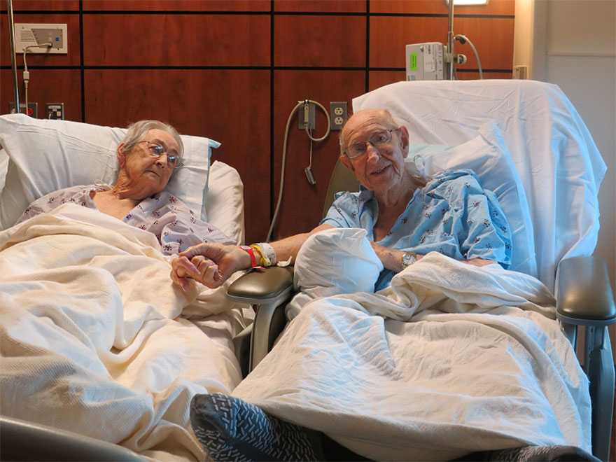 elderly-couple-reunited-hospital-2