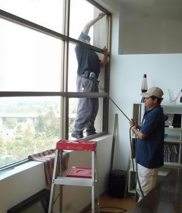 Building Glass Cleaner Safety In India