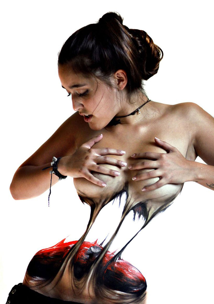 model-tearing-herself-apart-grotesque-body-painting-jeampiere-dinamarca-poque-3