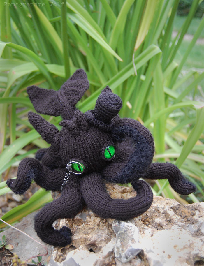 Night Furrytopus: My Knitted Monster From The Ocean's Depths