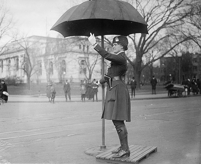 Leola N. King, America's First Female Traffic Cop, Washington D.C. (1918)