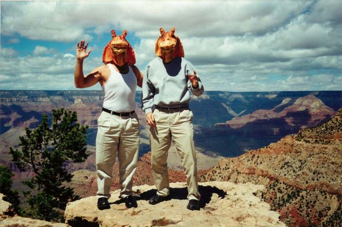 Jar Jar Binks And His Friends Travel Around The World