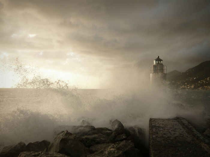 Lighthouse- Feel The Breeze!