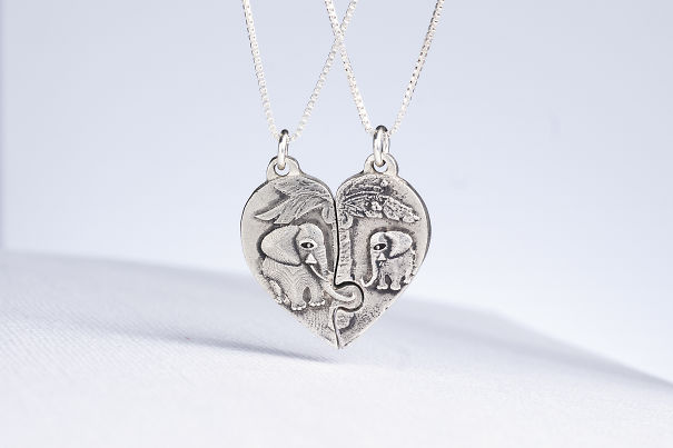 Elephant Mama And Baby Puzzle Necklaces