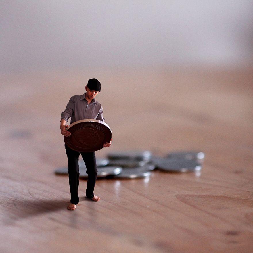I Turn Myself Into A Miniature Human Exploring The Big World