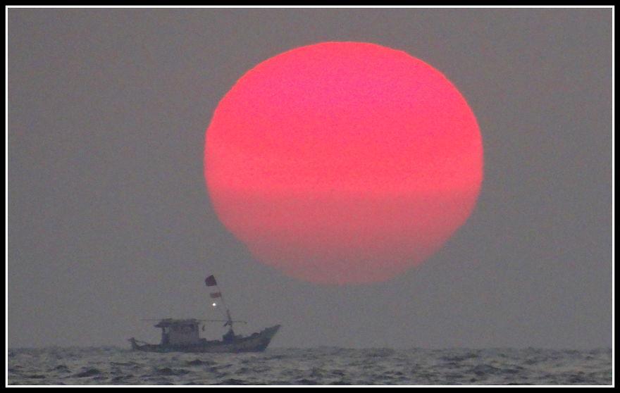 Massive Sun, Massive Sunset