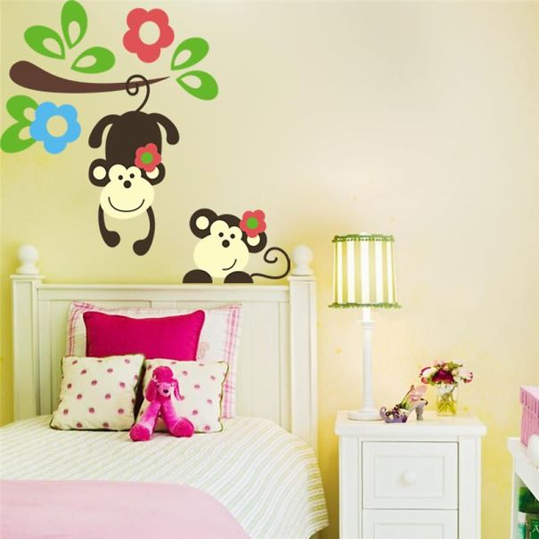 15 creative stickers that make your wall look magical for Decoration murale sticker