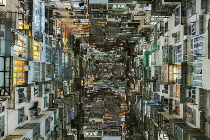 "Hong Kong's Shocking ""borg"" Cubes: Homes Of The Poverty-stricken"