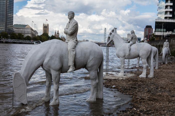 I Sculpted Four Horsemen And Submerged Them In The Thames To Warn Of Climate Change