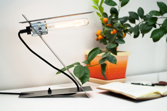 Z-lamp: I Designed A Table Lamp That Comes In A Large Letter And Is Assembled In No Time