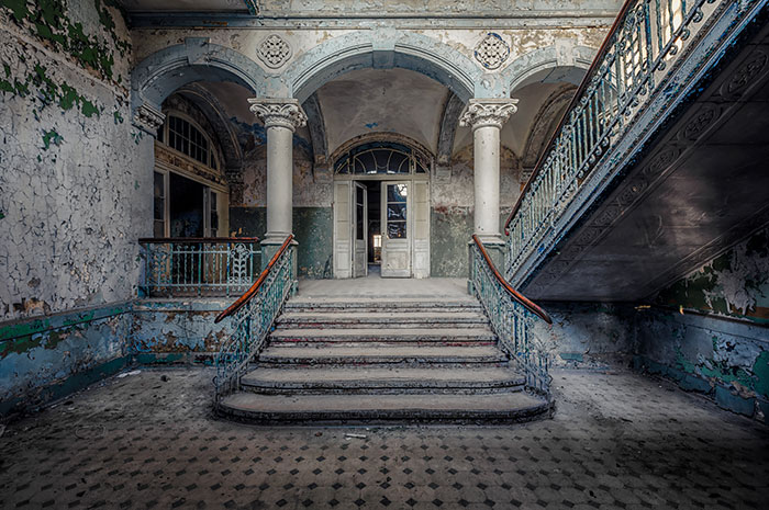 I Search For Abandoned Buildings All Around Europe And Photograph Them