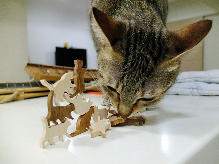 cat-jenga-game-comma-14