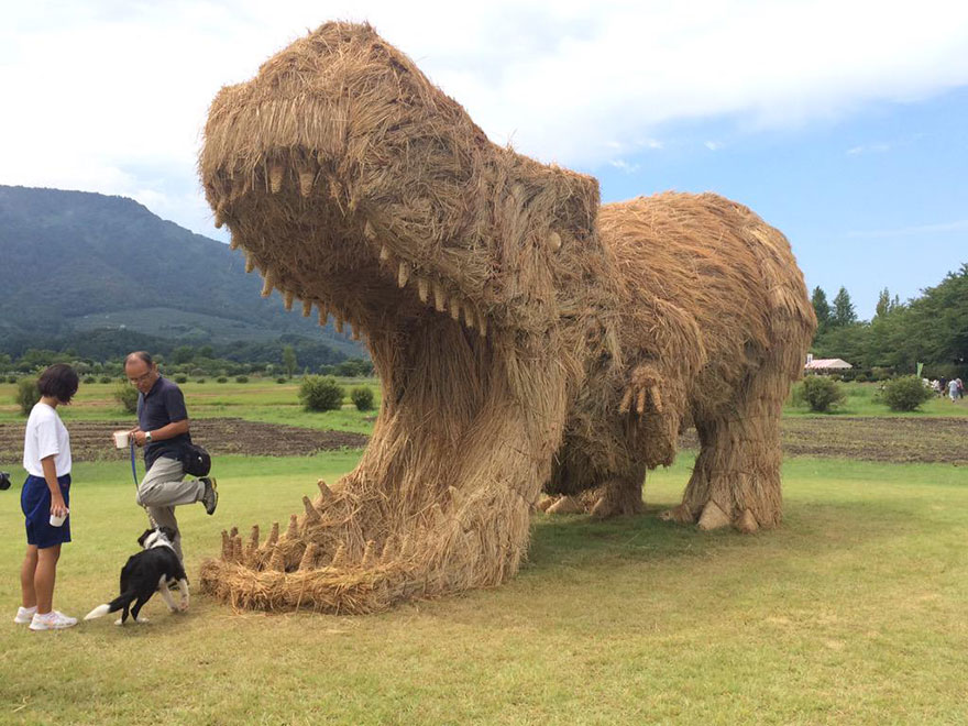 Binatang Jerami Raksasa Duduki Prefektur Niigata Setiap Agustus-November
