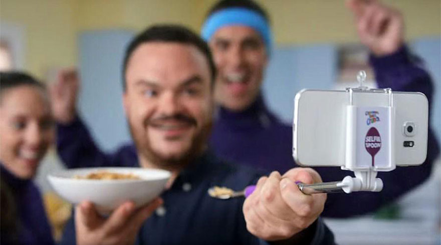 free-selfie-spoon-cereal-cinnamon-toast-crunch-3