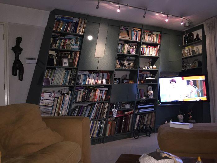 #21 Leaning Bookshelf.