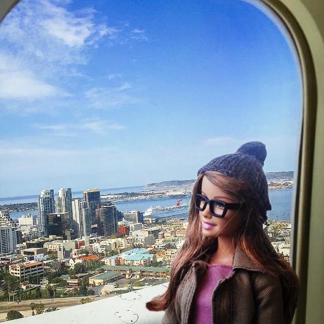 o papusa barbie parodiaza conturile de Instagram 9