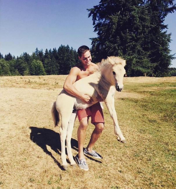 Hooray For #friyay!! Ready For Zero Responsibility And A Lotta #horsingaround. #cuddlebuddies #horsewhisperer