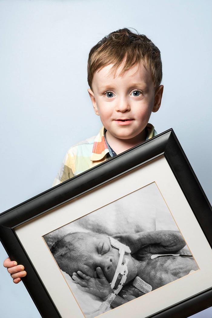 premature-baby-portraits-les-premas-red-methot-19