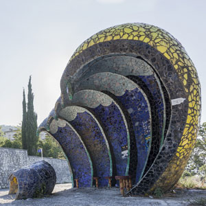 Photographer Travels 30,000km Documenting Soviet Bus Stops And Is Accused Of Spying