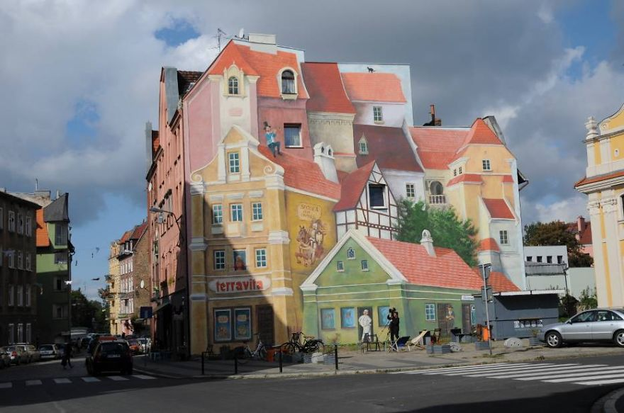 3D Mural In Poznan, Poland, Painted To Remember Historical Market District