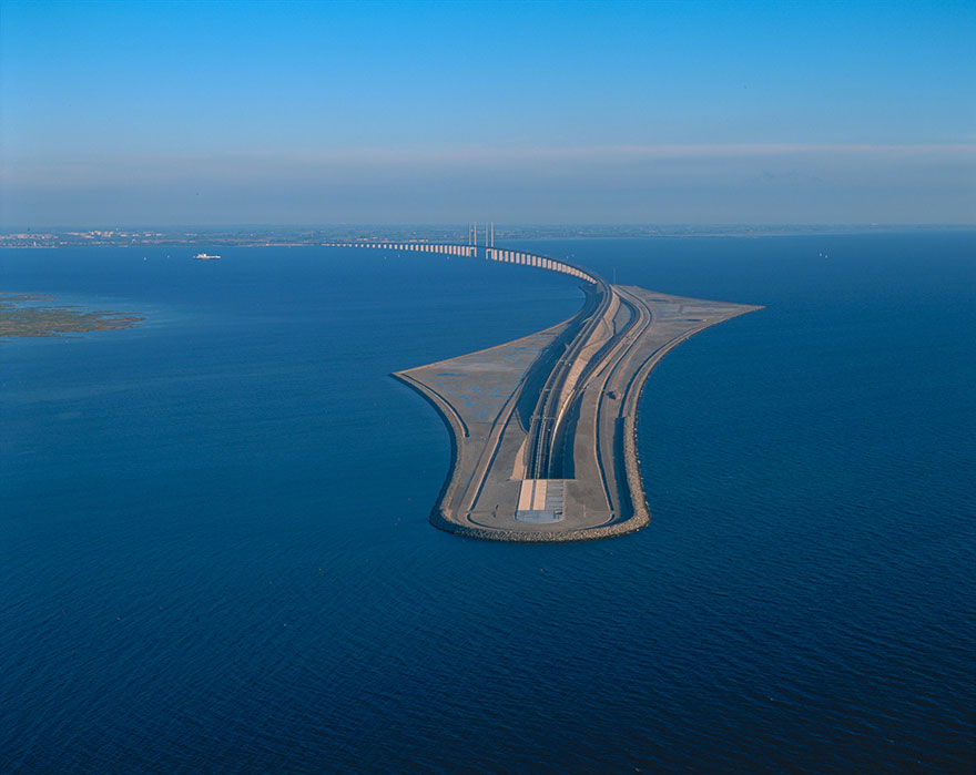 tunnel-bridge-oresund-link-artificial-island-sweden-denmark-10