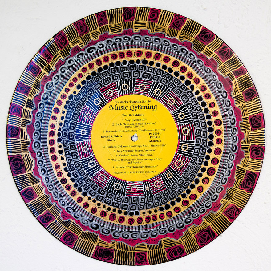 vinyl-record-mandalas-hand-painted-sara-roizen-3