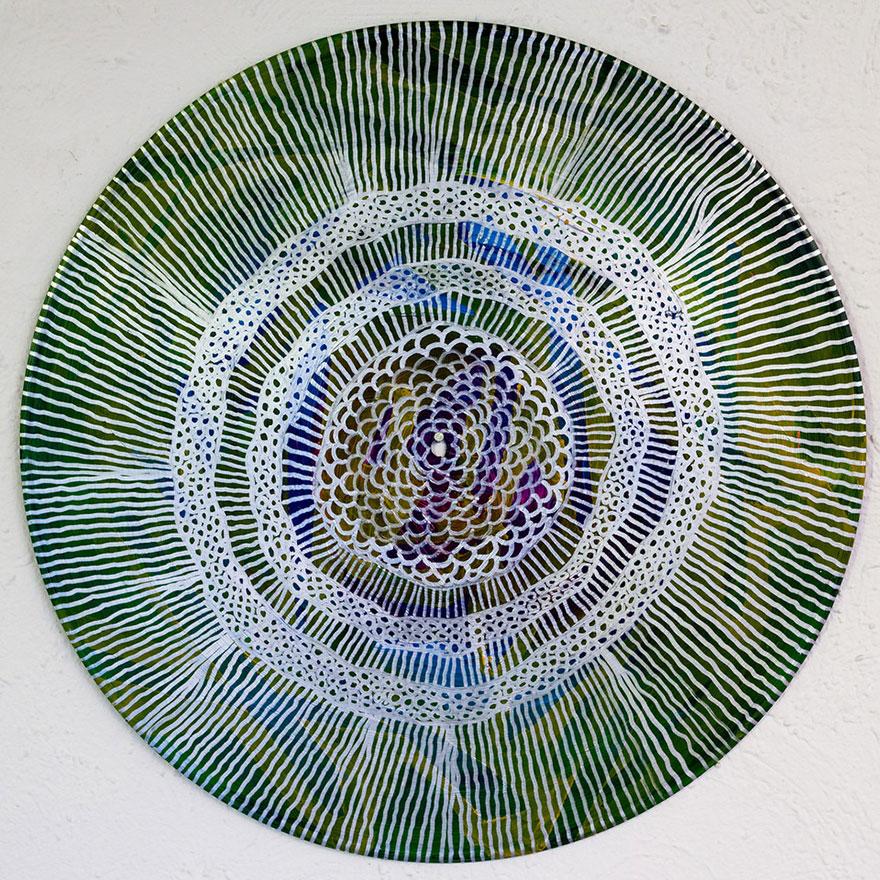vinyl-record-mandalas-hand-painted-sara-roizen-7