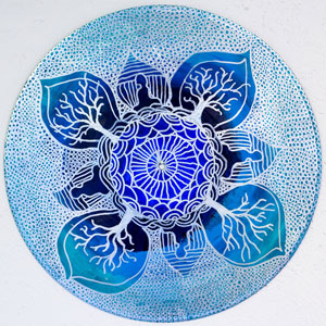 Art Therapist Paints Mandalas On Vinyl Records