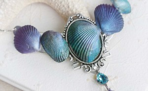 Artist Turns Seashells Into Beautiful Jewelry