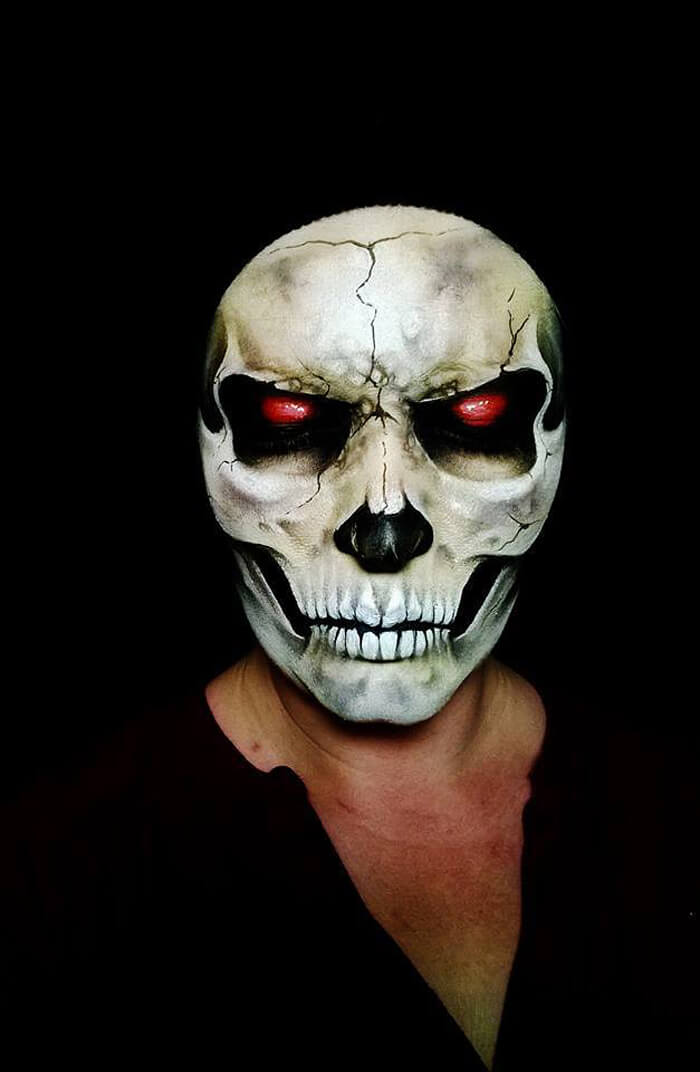 self taught artist paints terrifying monsters on faces bored panda - Halloween Scary Faces