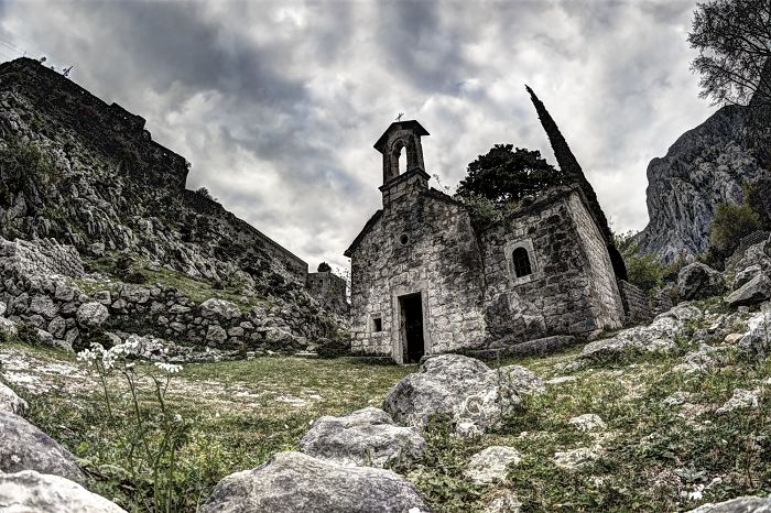 Expiations: Religious Buildings Frozen In Time