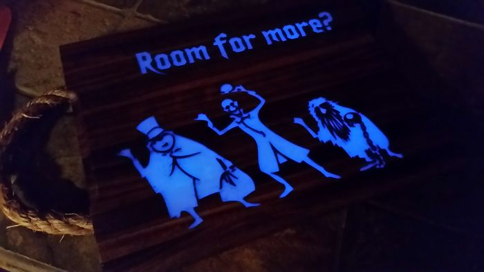 How To Make A Spooky Cutting Board That Glows In The Dark