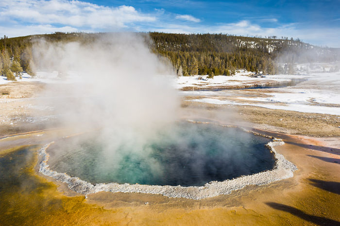 Yellowstone National Park Is The Harshest Place In Winter, Yet Also The Most Beautiful