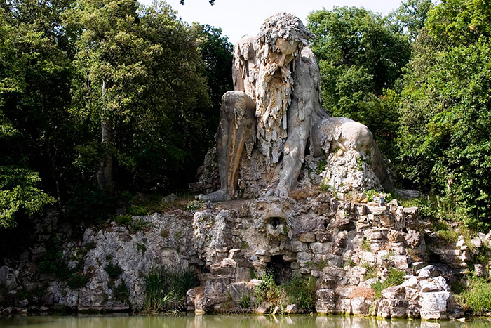 Massive 16th Century 'Colossus' Sculpture In Italy Has Entire Rooms Hidden Inside Colosso-dell-appennino-sculpture-florence-italy-2__700